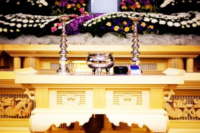 家族葬の告別式、出棺における喪主挨拶のポイントと例文