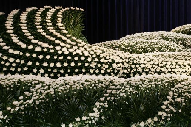 【相手別】家族葬で香典返しをする場合のマナーや注意点