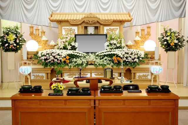 家族葬と一般的な葬儀の違い