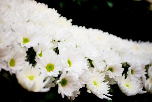 家族葬の精進落としにおける喪主挨拶のポイントと例文