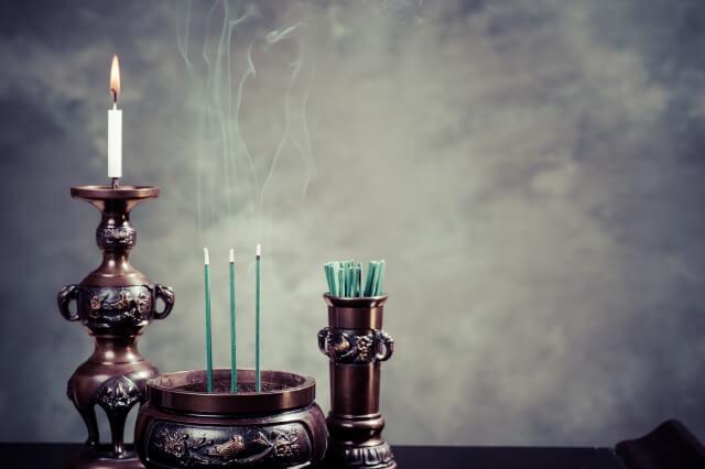 直葬(火葬式)で戒名をつけずに供養する方法