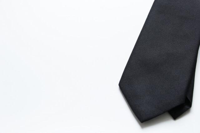 【直葬の服装】火葬のみの服装や髪型を男性・女性・子供別に解説!
