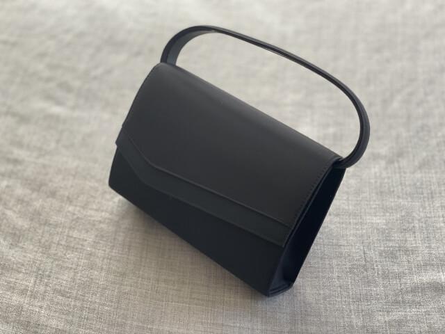 葬儀用のバッグ