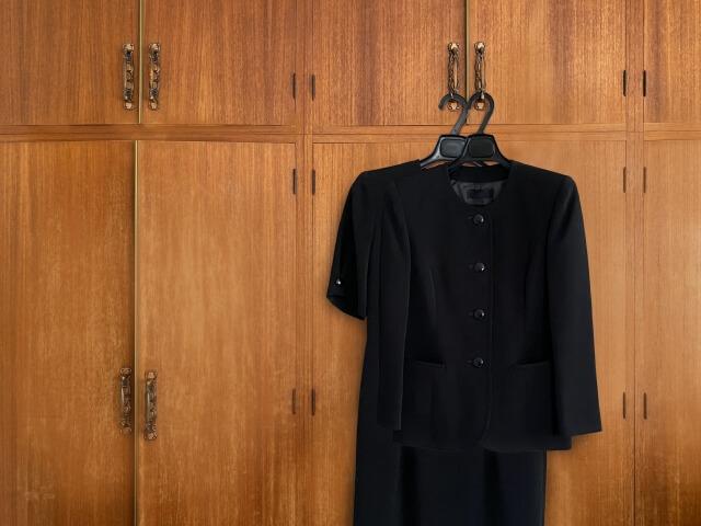 直葬(火葬式)の服装は準喪服で参列しましょう